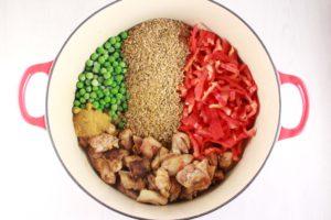 Eénpots rijst met kip en curry