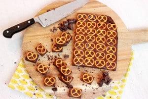 Chocolade fudge met pretzels (3 ingrediënten)