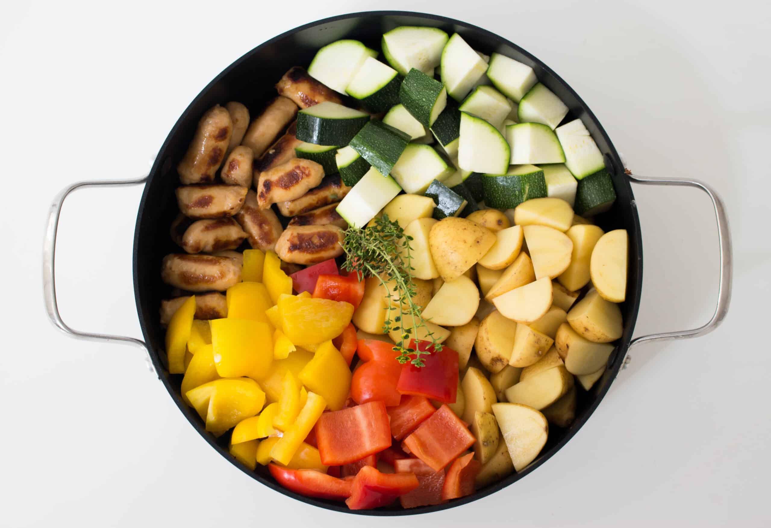 Eenpotsstoof met aardappel en worst-1