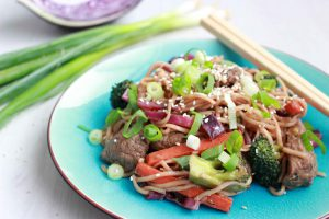 Thaise noedels met rundsvlees