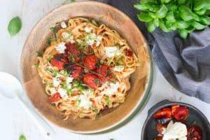 Tagliatelle met geroosterde tomaten & ricotta