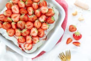 Lichtere tiramisu met aardbeien