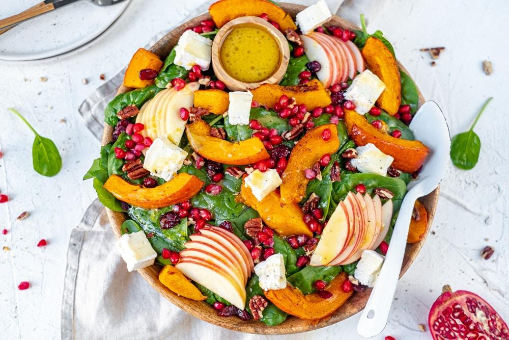 vooraanzicht salade met pompoen