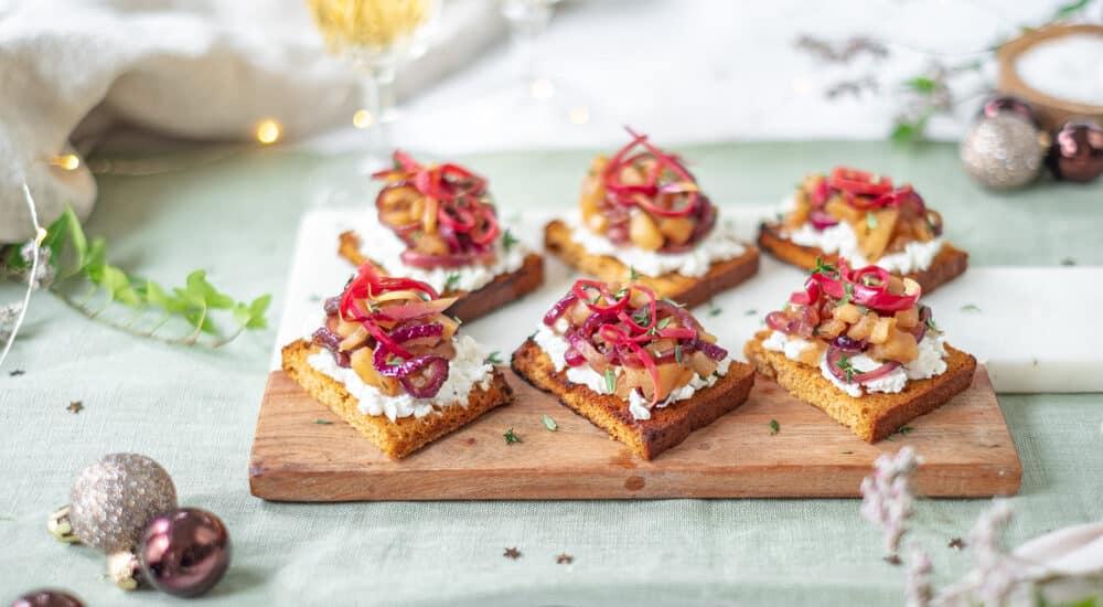 Kerstmenu: Hapje van peperkoek met ricotta en gebakken appeltjes