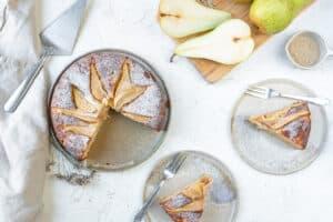 Smeuïge cake met peer & yoghurt