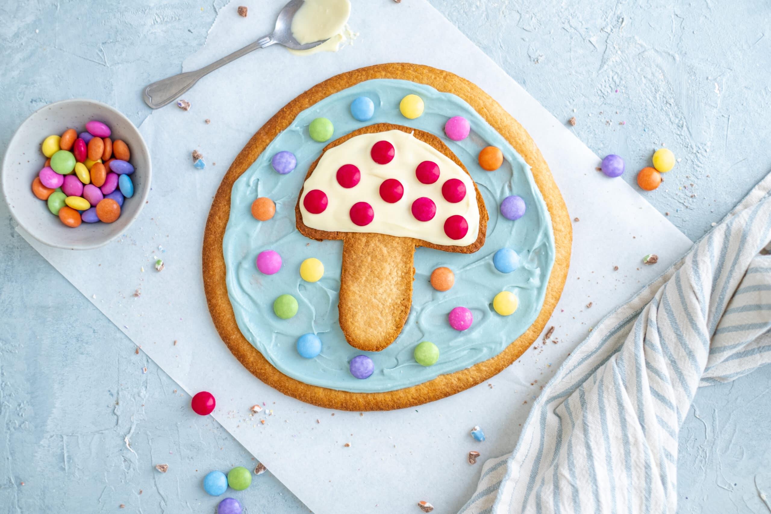 Dessert pizza met chocolade en smarties