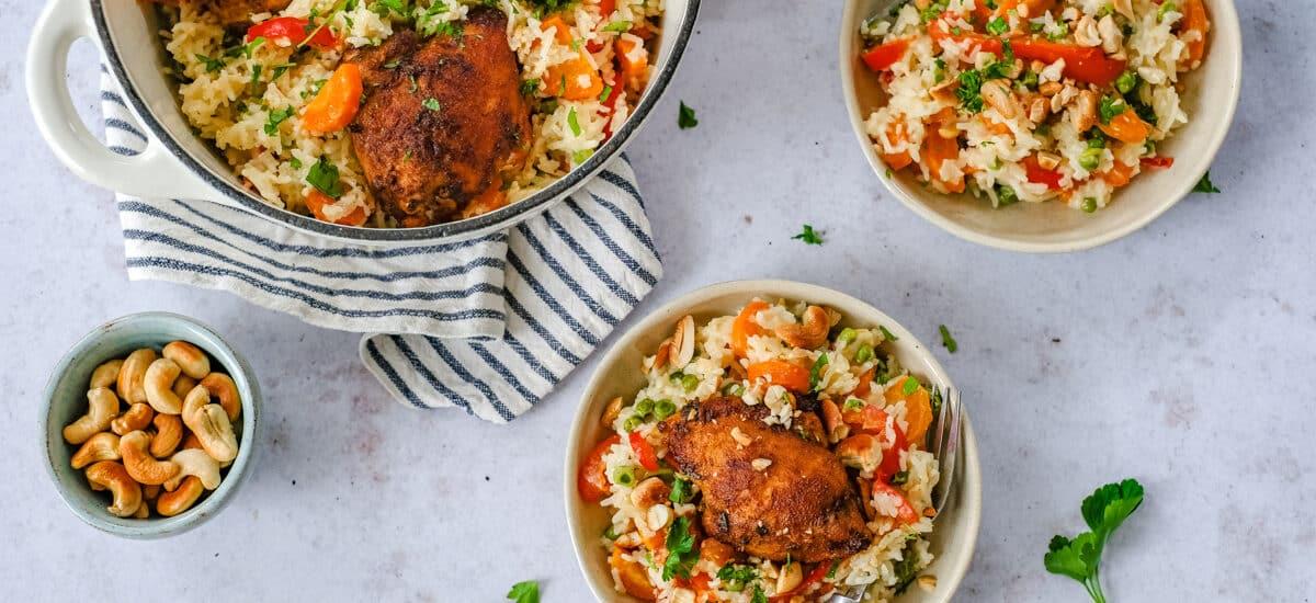 Eenpansgerecht met rijst en tandoori kip